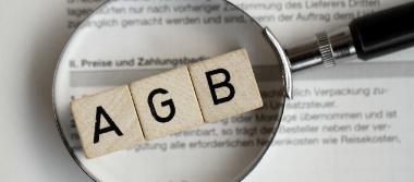 Die Rechtsanwälte Stalling & Kollegen aus Kassel helfen bei Fragen zu den AGB im Internetrecht.