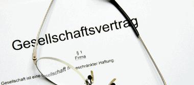 Anwaltliche Hilfe beim Thema Gesellschaftsvertrag im Handelsrecht und Gesellschaftsrecht durch die Rechtsanwälte Stalling & Kollegen aus Kassel.